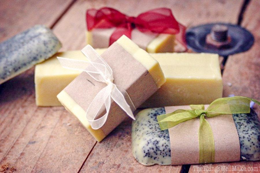 Domácí mýdlo je vždy skvělý dárek.