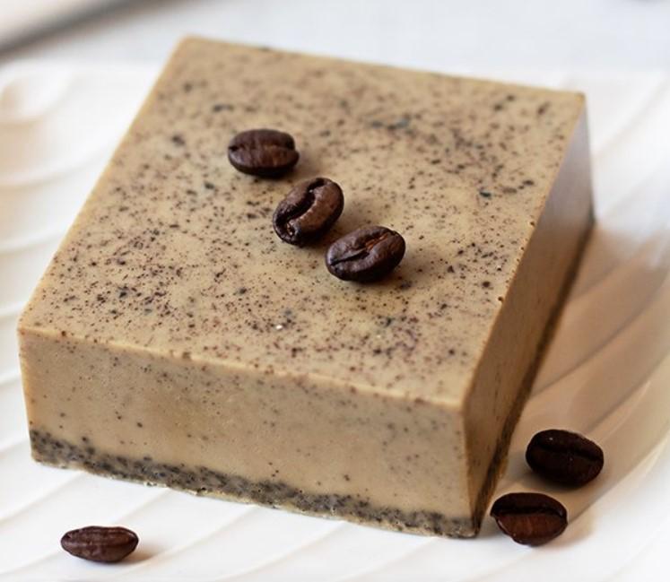 Domácí výroba mýdla s kávou