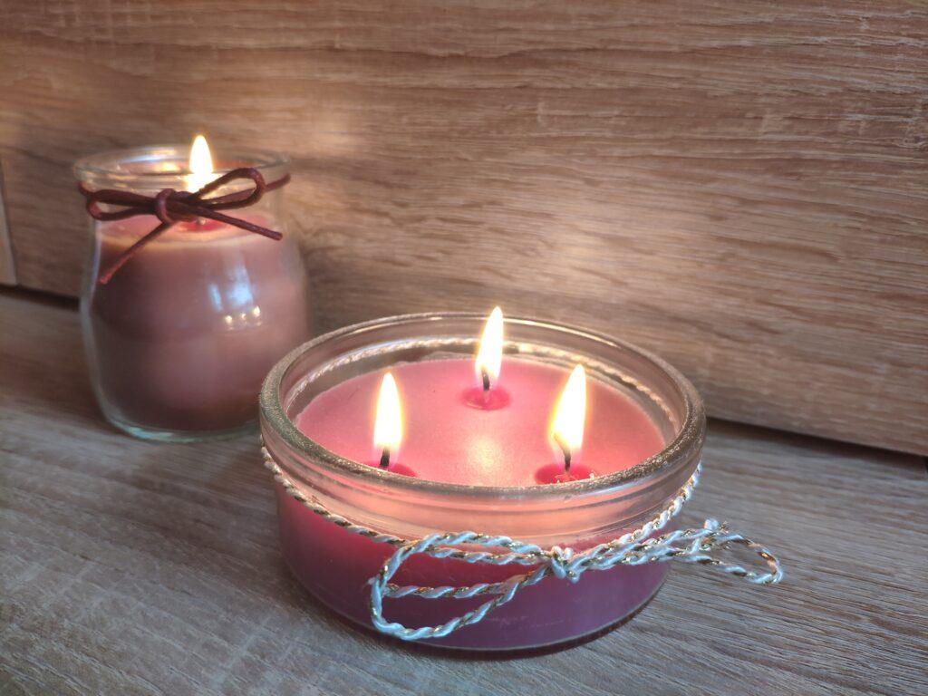 Domácí svíčka se třemi knoty