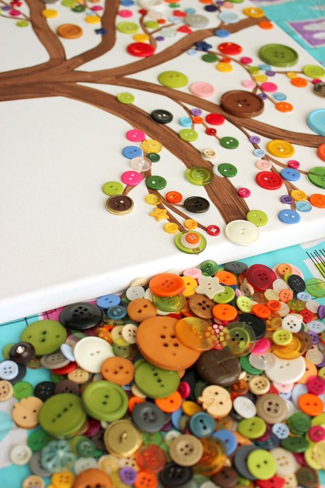 Obrázek s knoflíky jako varianta pro domácí tvoření s dětmi
